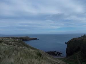 המפרץ השמאלי שמעליו יושב המבצר