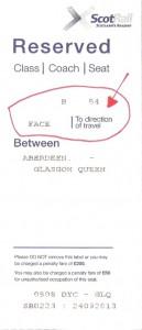 ציון כיוון הישיבה על כרטיס הרכבת