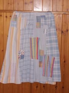 החצאית פרושה - קדימה