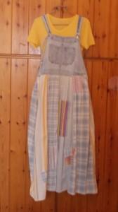 החצאית עם הלבבית מקדימה