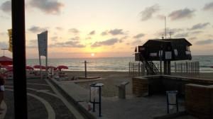 שקיעת שמש בחוף דדו
