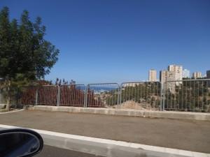 מבט מהמכונית מכביש רופין לקצה יזרעאליה וחלק ממפרץ חיפה