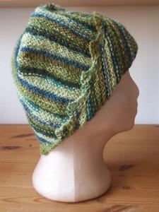 כובע ירוק מתחלף מהצד